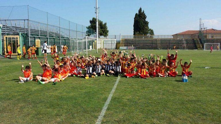 Giulianova, scuola calcio di mattina per gli studenti con lezioni pomeridiane