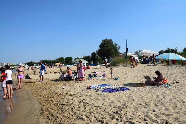 Unica Beach a Silvi, Branella ringrazia Comignani