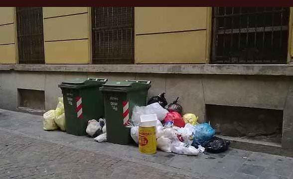 Montesilvano, multe per chi abbandona i rifiuti in strada