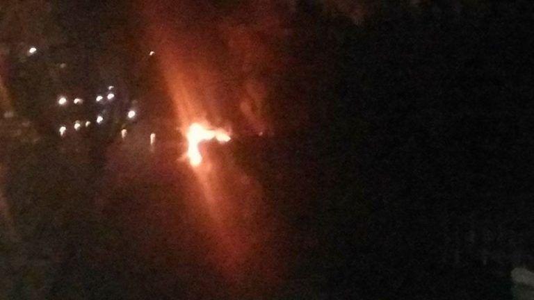Pescara, incendio distrugge barca ormeggiata sul fiume