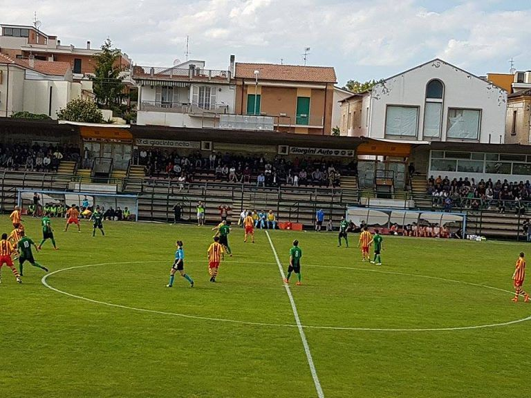 Tozzi Borsoi regala la Coppa Mancini al Giulianova: 2-1 contro il Chieti