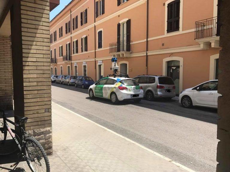 Giulianova, l'auto di Google Maps avvistata in città FOTO