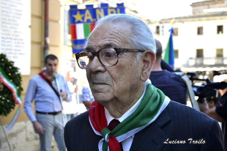Teramo, gonfalone della Provincia ai funerali di Mario De Nigris
