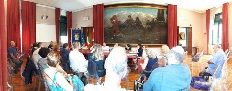 """Pescara, la Provincia: """"Niente soldi per luce e riscaldamento scuole"""". Insorge SI"""
