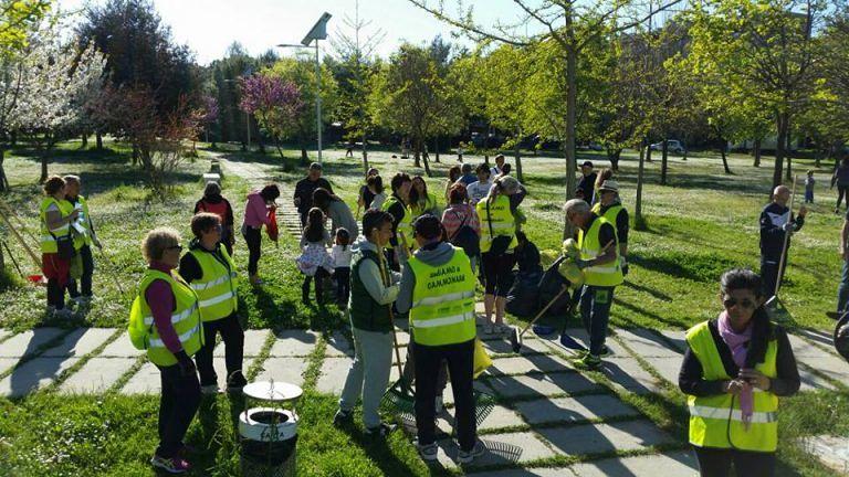 Giulianova, prima Camminata Verde: puliti lungomare sud e Parco Annunziata FOTO