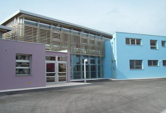 Alba Adriatica, furti ai distributori in due scuole