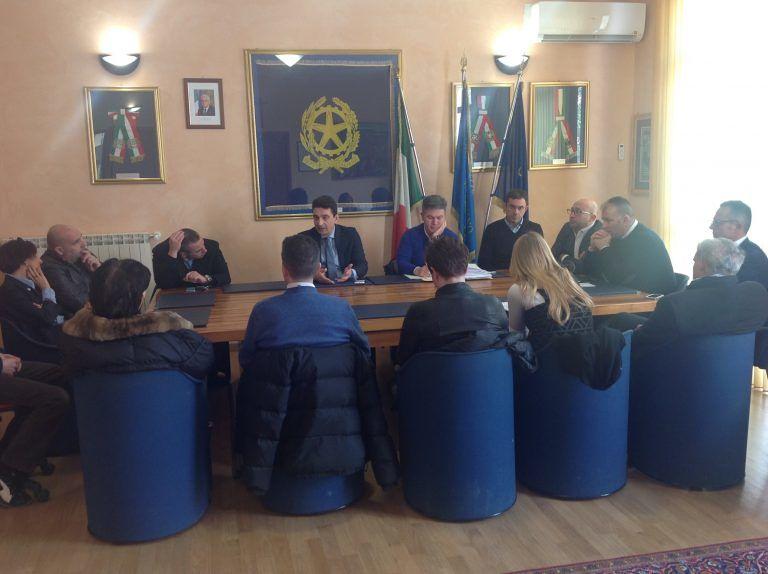 Montesilvano, dal piano demaniale all'accoglienza dei profughi: operatori turistici a confronto in Comune