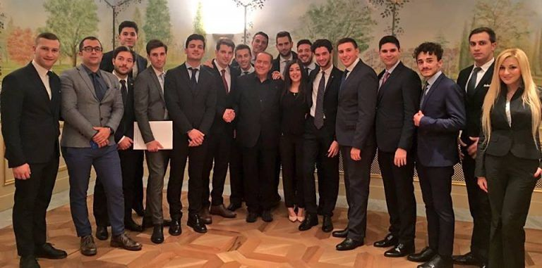 Giovani di Forza Italia Abruzzo a lezione da Berlusconi per il no al Referendum