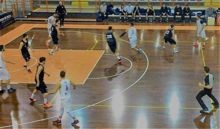 Basket, Amatori Pescara ingrana la quinta: 88-77 con Valdiceppo