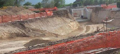 L'Aquila, stop a lavori per la metro di superficie: emerse antiche sepolture