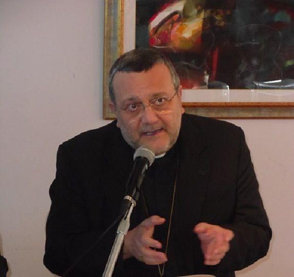 Montesilvano, contesta Papa Francesco: il vescovo sospende don Edward