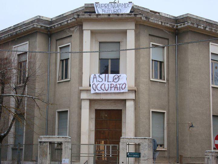 L'Aquila, Asilo Occupato: Forza Italia torna a chiederne la chiusura