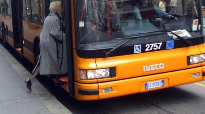 """Smog a Pescara: """"Autobus gratis contro le targhe alterne"""""""