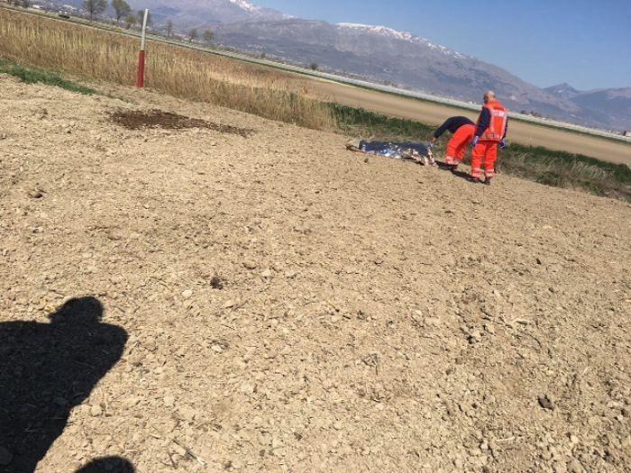 Luco dei Marsi, ladro di rame muore nei campi durante la fuga