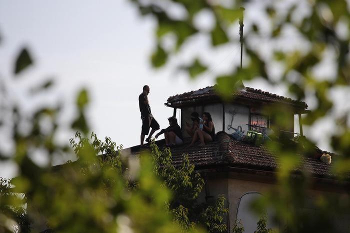 Bomba di Capodanno a Firenze: 5 arresti. C'è un anarchico di Martinsicuro