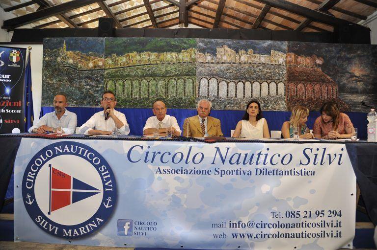 Silvi, estate 2016 con Tiromancino, Kuzminac e Beach Soccer internazionale