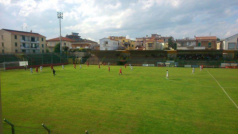 Promozione, Calcio Giulianova-San Gregorio 1-1: tutto in un minuto