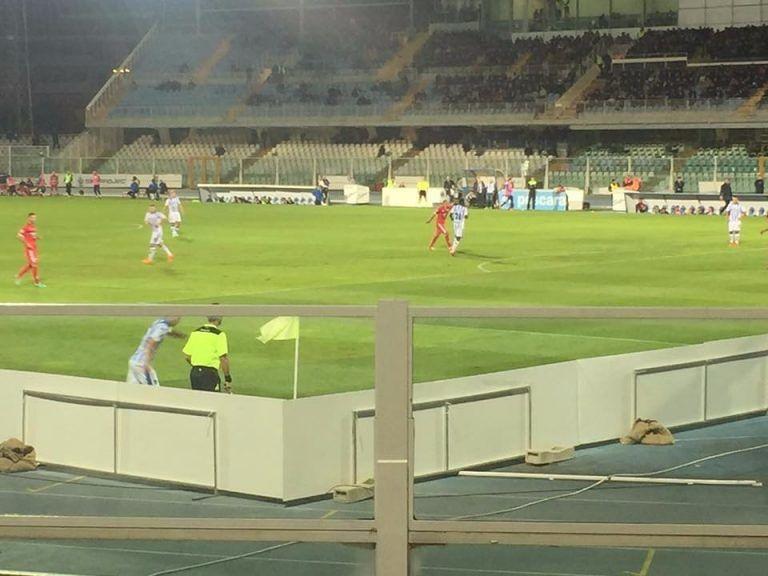 Pescara, troppa pubblicità allo stadio: diffida di un gruppo di tifosi