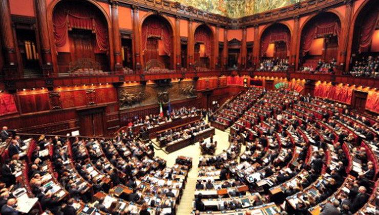Niente più vitalizi per i parlamentari, primo via libera della Camera