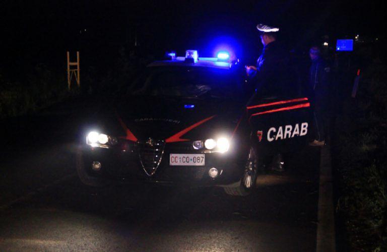 Tortoreto, noto commerciante di auto minacciato e rapinato in villa
