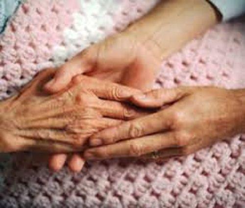 Politiche sociali Abruzzo, approvato il progetto di legge sul Caregiver familiare