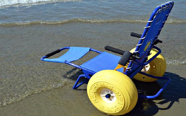 """Pineto, riparte il servizio """"Carrozzina d'amare"""": spiagge accessibili ai disabili"""