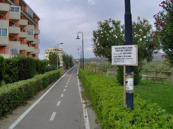 Alba Adriatica, pista ciclabile lungo il Vibrata: parte l'iter degli espropri