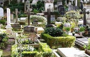 """Teramo, tour nei cimiteri cittadini per l'amministrazione: """"Presto avremo anche il forno crematorio"""""""