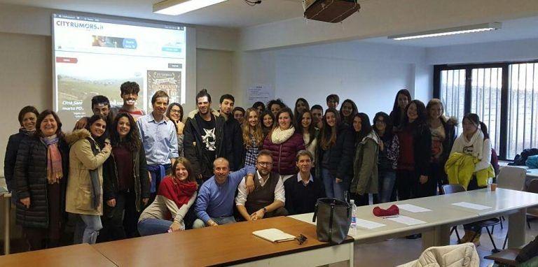 """Nereto, giornalismo a scuola: cityrumors incontra gli studenti del liceo """"Peano-Rosa"""""""
