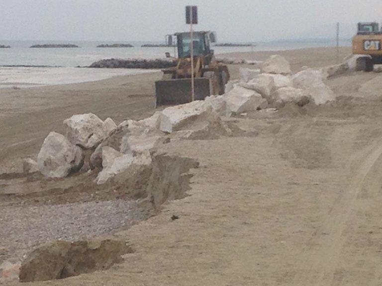 Cologna Spiaggia, iniziati i lavori antierosione FOTO-VIDEO