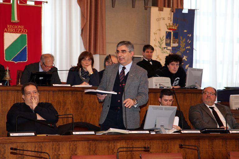 Regione Abruzzo, Idv: 'No a consiglio come ring per scontri personali'