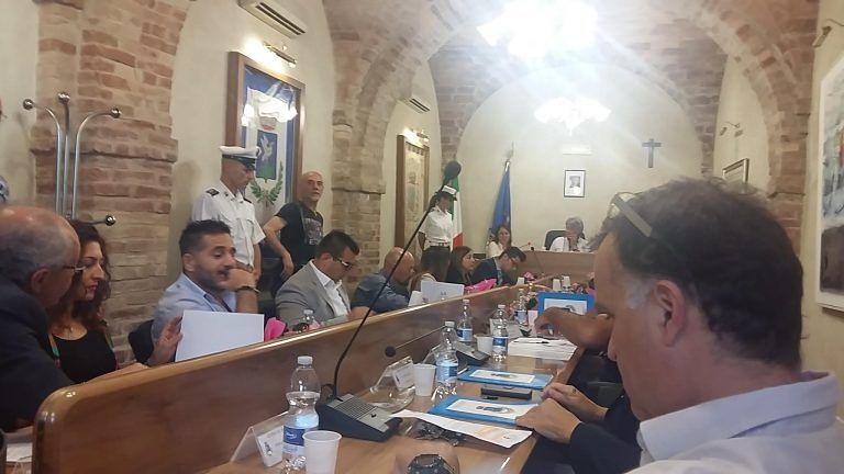 Tortoreto, polemica Carusi-M5S sulla presidenza della commissione di vigilanza VIDEO
