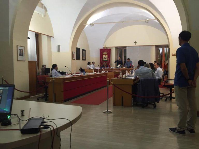 Giulianova, approvato il consuntivo ma la maggioranza scricchiola