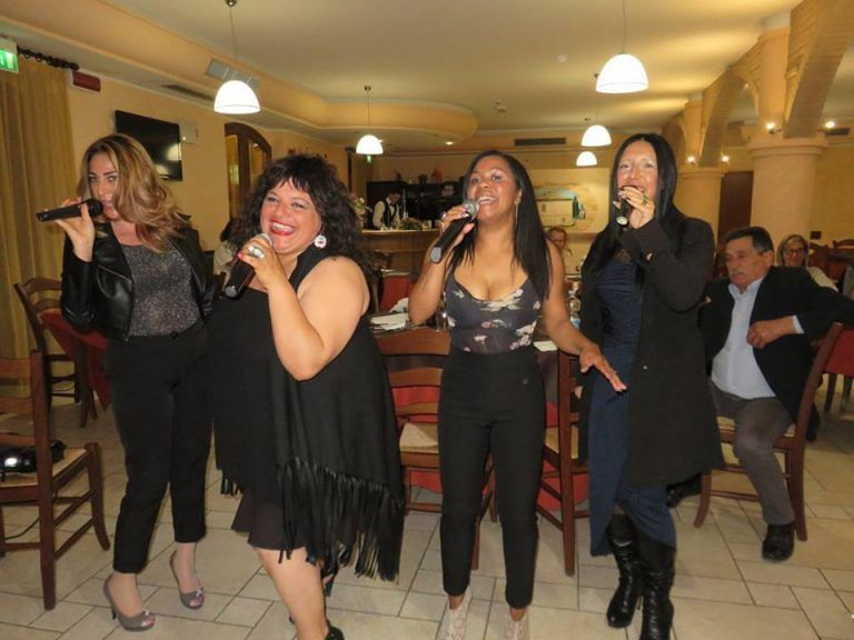 Country House il ponte: venerdì serata karaoke | Alba Adriatica