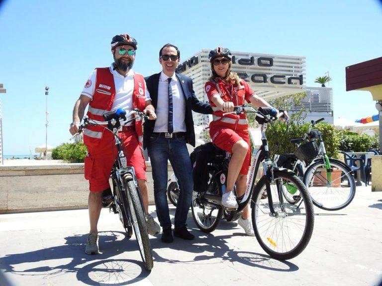Pescara, pronto soccorso in bici lungo la Riviera