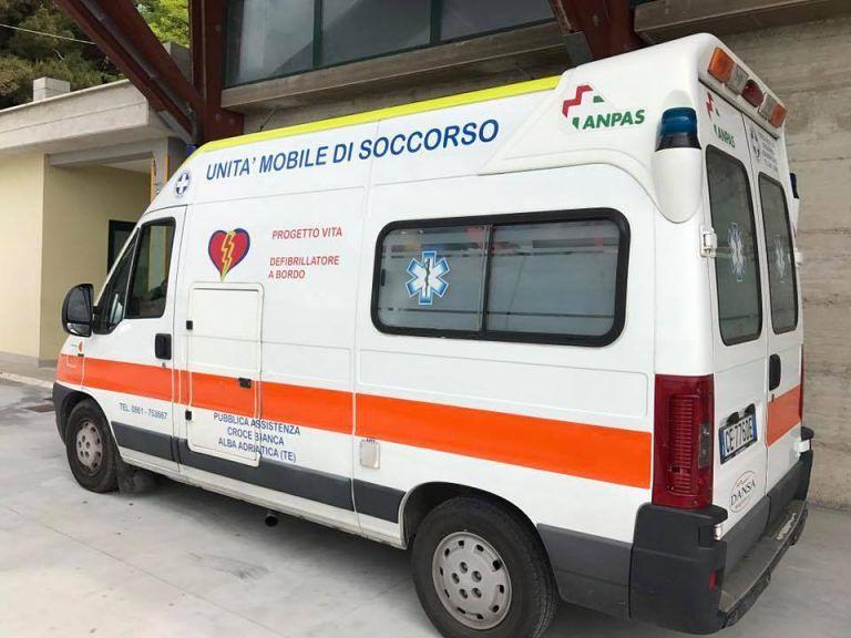 Alba Adriatica, in giro con la maglietta della Croce Bianca (rubata): non fate donazioni