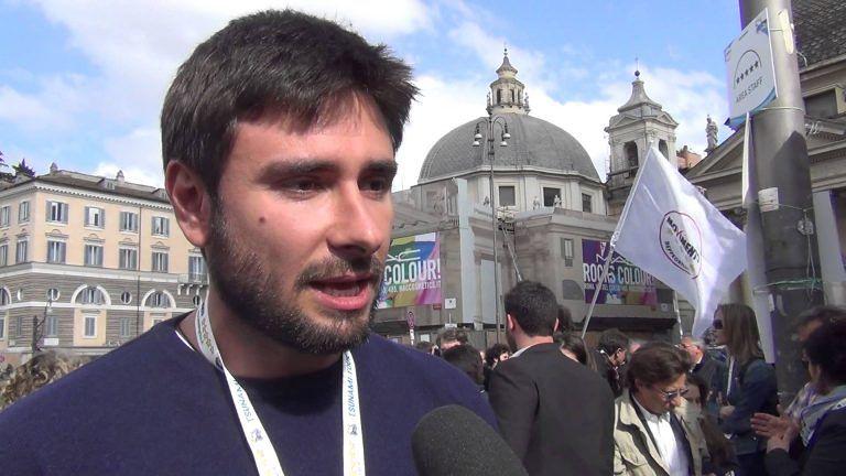"""Alessandro Di Battista a Teramo per il """"no"""" al referendum"""