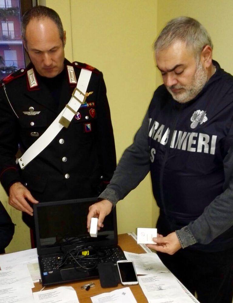 Pescara, ricette fatte in casa per ottenere farmaci dopanti: denunciato 29enne