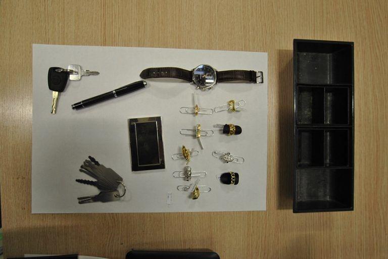 L'Aquila, arrestato giovane ladro seriale: auto piena di monetine FOTO