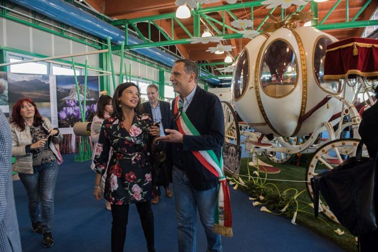 Pescara, apre la mostra Florviva