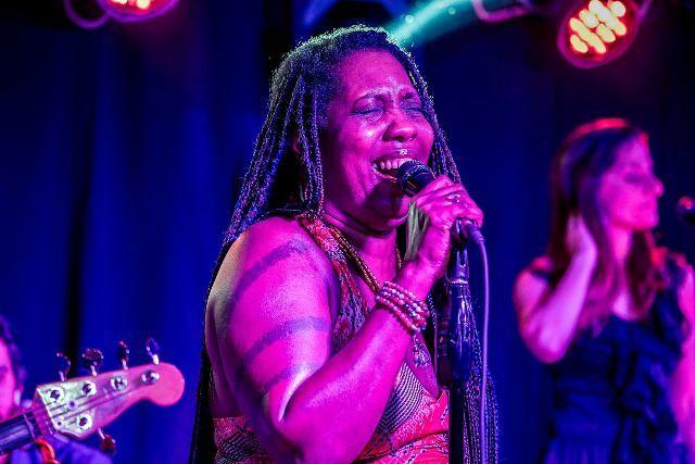 Grande successo per il concerto di Durga McBroom a Chieti Scalo
