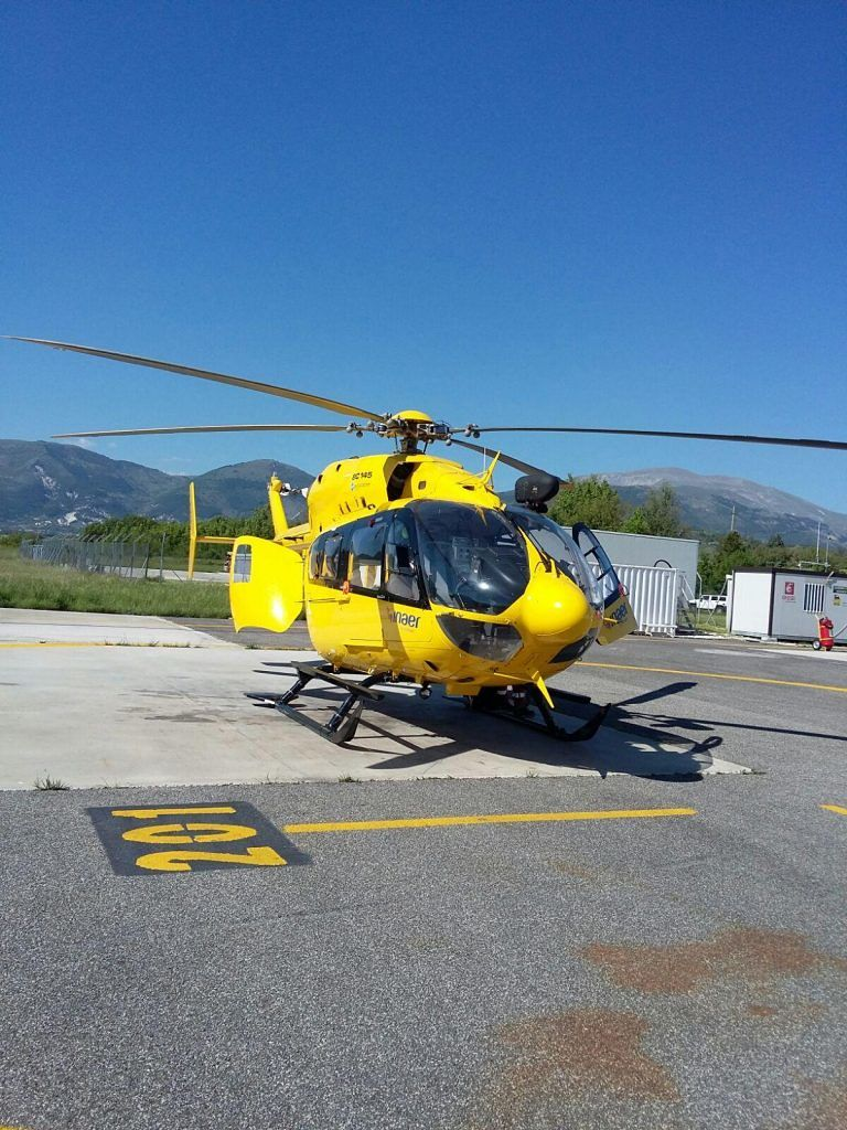 Sant'Omero, frontale sulla Bonifica: automobilista soccorso con l'elicottero