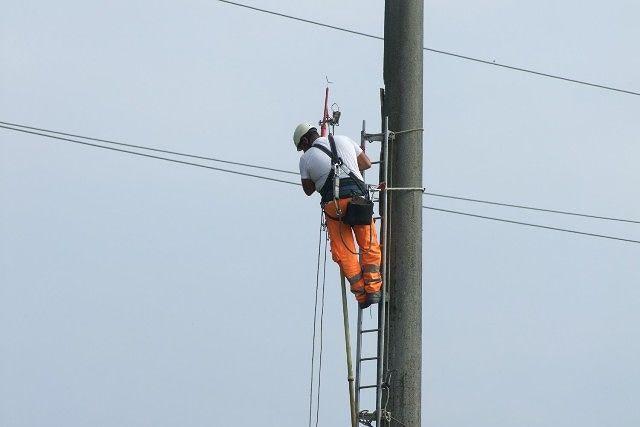 Black out, l'emergenza continua in Abruzzo: 62mila senza luce nel teramano