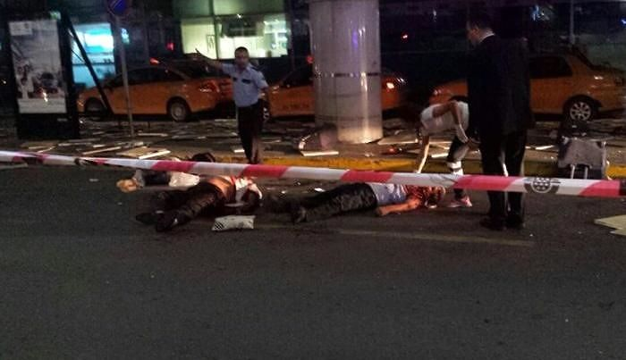 Attentato terroristico all'aeroporto di Istanbul FOTO