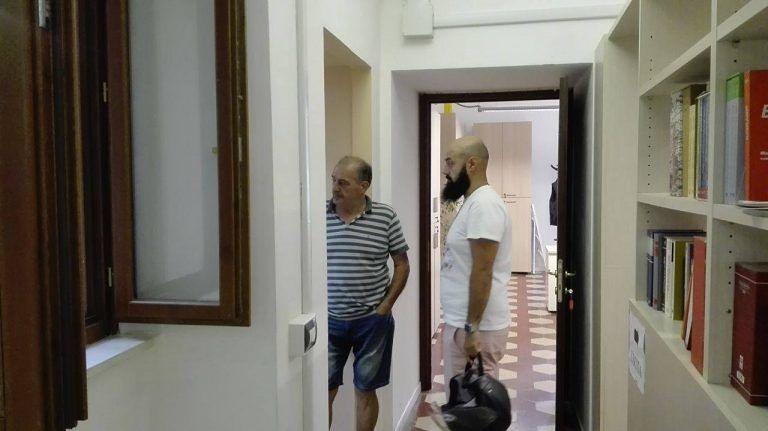 Giulianova, il caso Brat Burger: non può occupare il suolo pubblico. Manca il regolamento