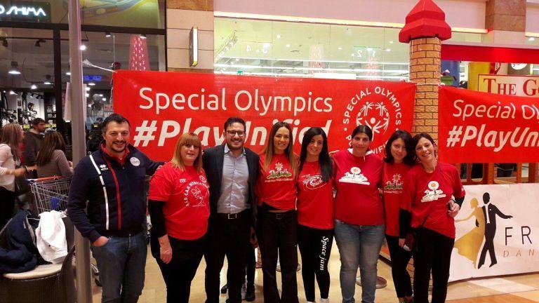 Teramo, successo strepitoso per il flash mob dello Special Olympics Italia FOTO-VIDEO
