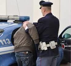 Pineto, nasconde cocaina negli slip: arrestato giovane spacciatore