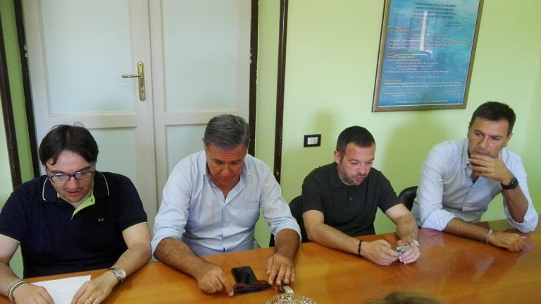 Pescara, mercatino etnico: Forza Italia chiede di togliere i fondi