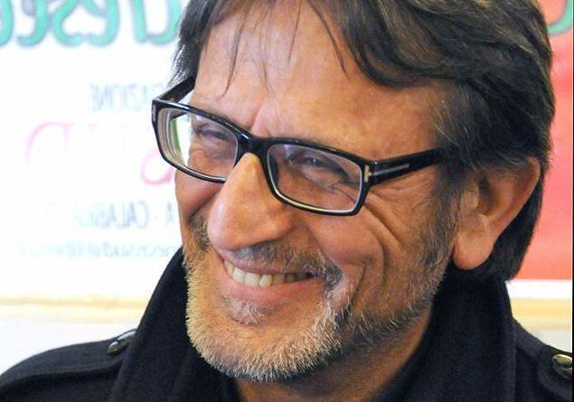 Pescara, 'Educazione alla legalità': don Aniello incontra gli studenti
