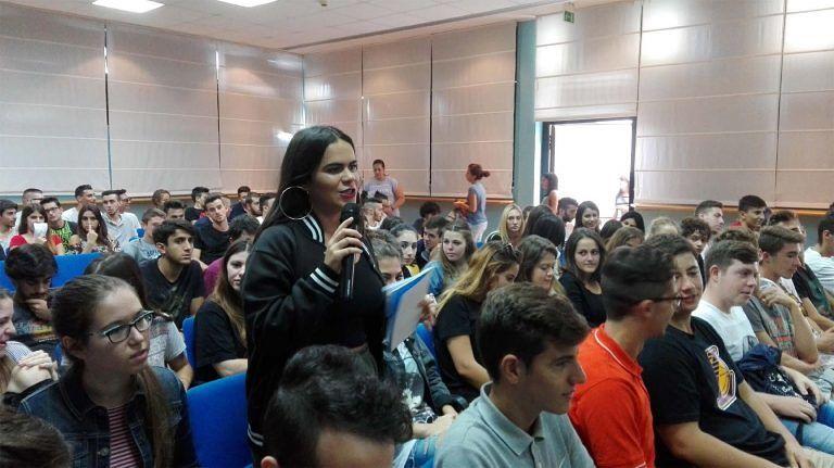 Pescara, sala gremita per la giornata-studio dedicata a scienza e cultura